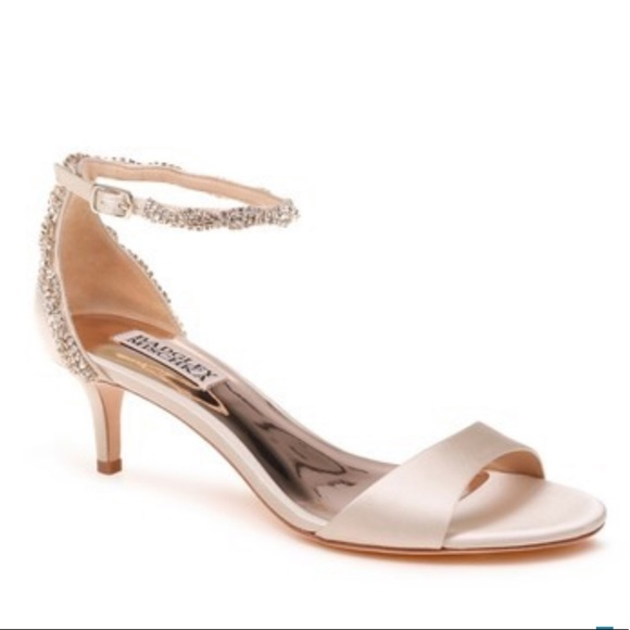 Badgley Mischka Shoes - Badgley ivory satin nude heels